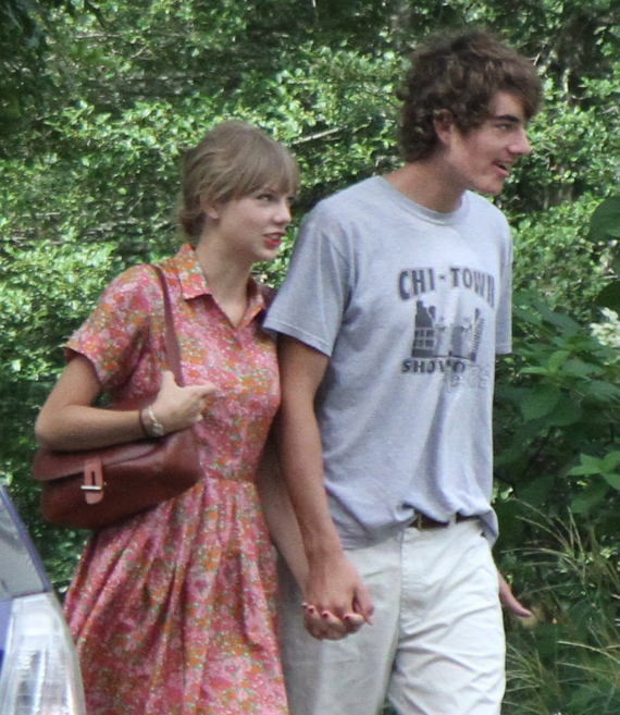 Taylor Swift And Conor Kennedy In Hyannis Port Ma Hyannis Port Hyannis Massachusetts Hyannis