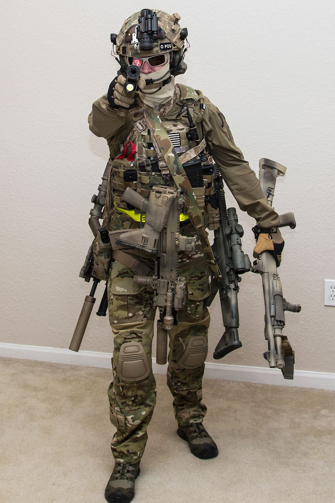 lots of guns, he must has many enemys | Tactical ...