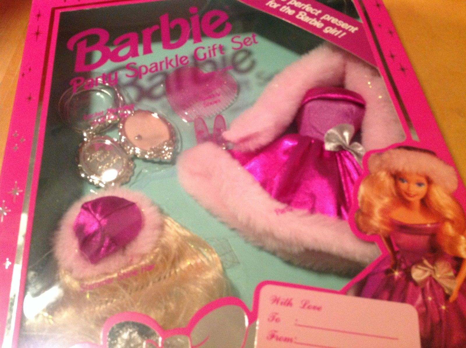 1994 Barbie Party Sparkle Gift Set Fashions NRFB 67027 Heart Comb Locket with Photos and Mirror for You  Wig Fur Hat / Dress