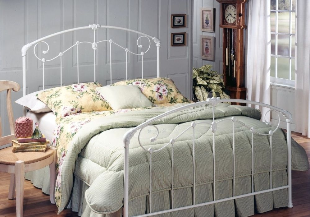 Wire frame bed (With images) White metal bed, White iron