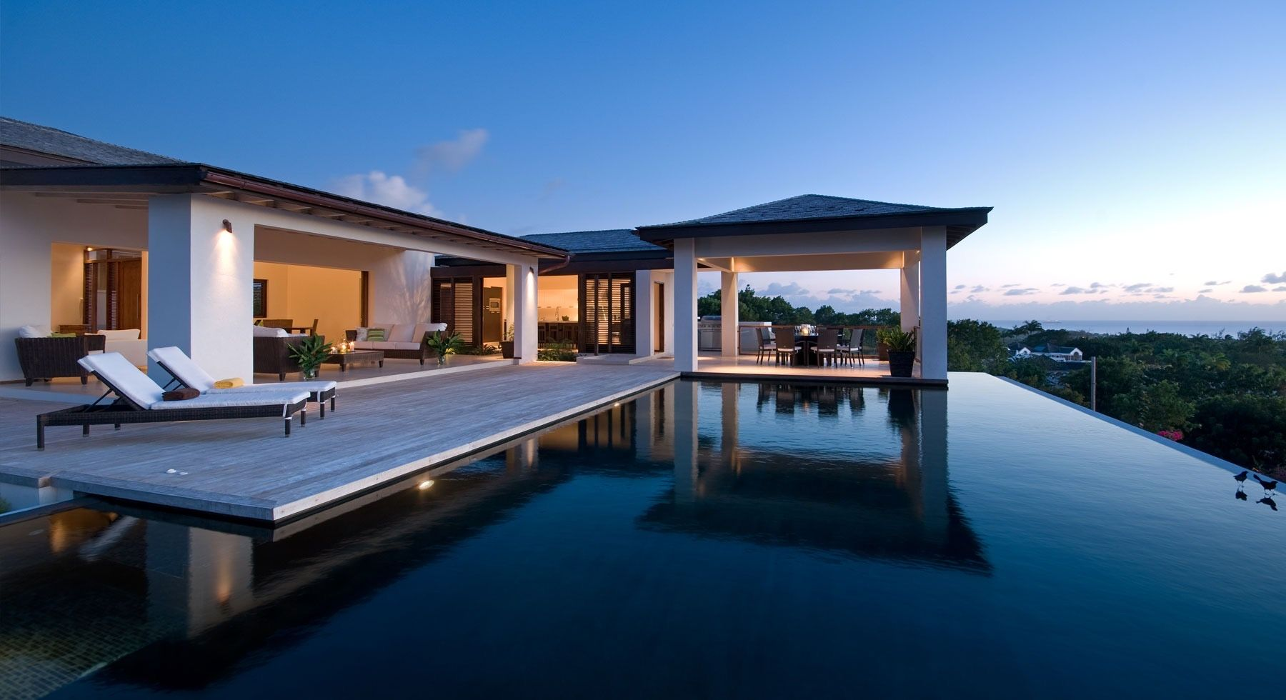 Pin By Solomon Valdez On House Design Villas In Barbados Luxury Beach House Modern Lake House