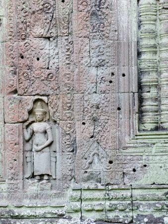 Devata Carving at Preah Khan Fotografisk tryk af Ariadne Van Zandbergen på AllPosters.dk