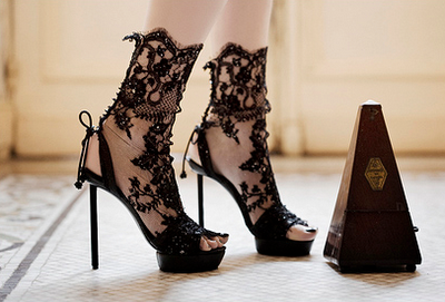 Lace - way to make a LBD memorable