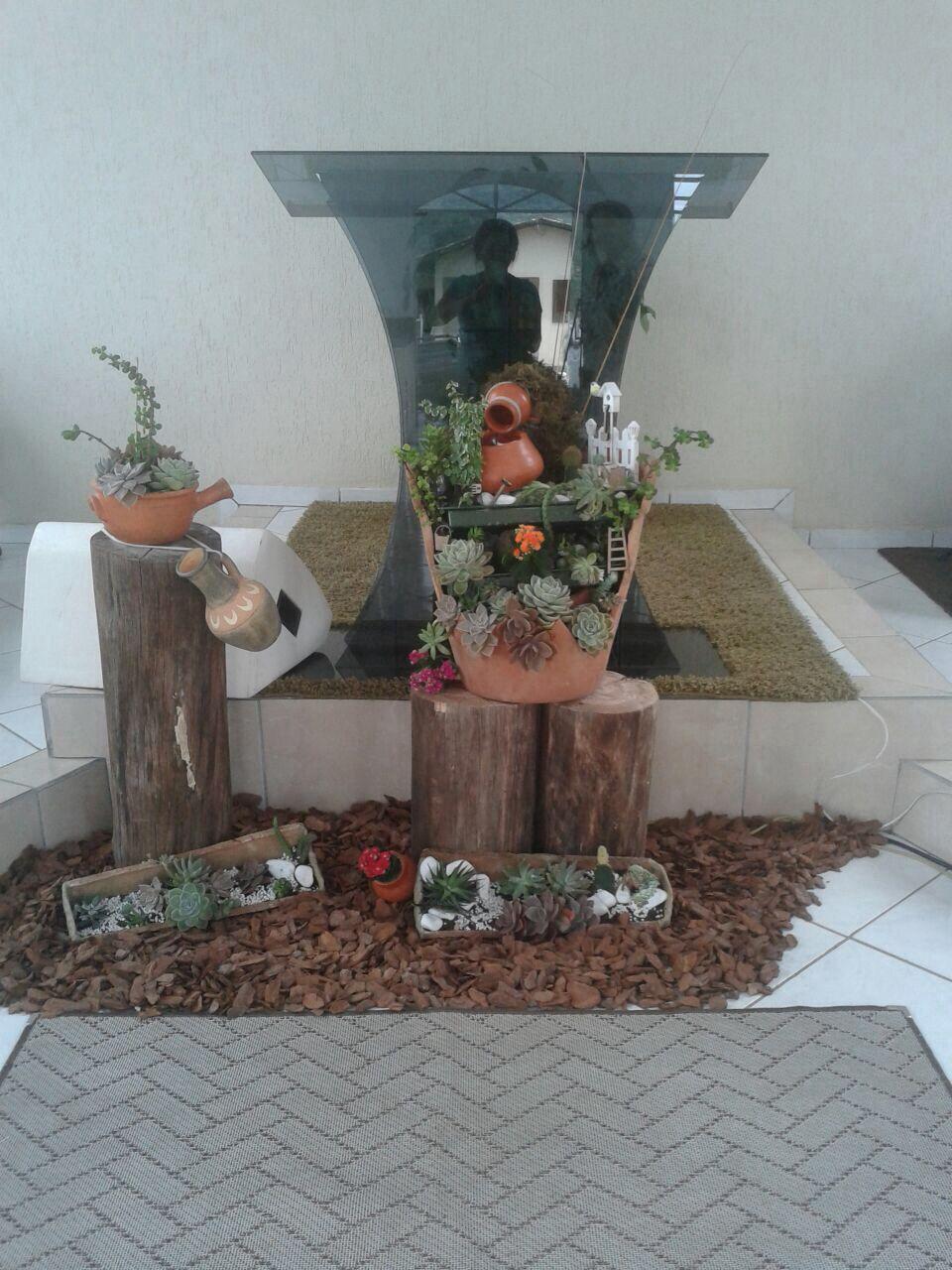 Para a realização de um evento, criamos um mini jardim com uma cascata pois o tema era sobre águas.