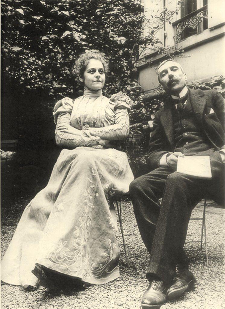 Eca De Queiroz Com A Mulher Emilia De Castro Paris 1890 S