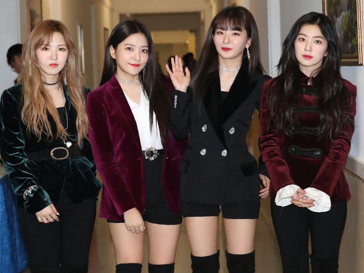 Kim Jong Un Claps Along To K Pop At North Korea Concert Korean K Pop Korean Pop Stars Red Velvet Band