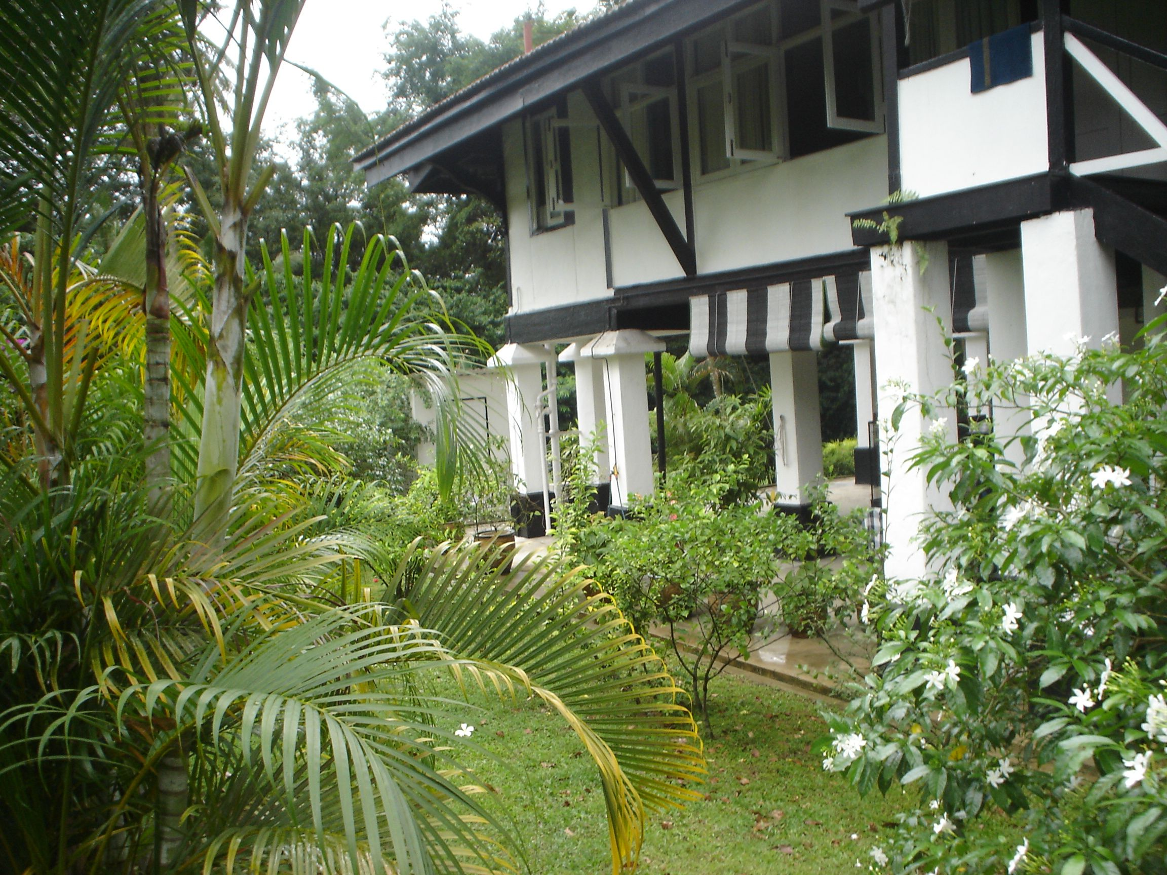 Private residence in british colonial style traditional bathroom - Black And White Houses Singapore Google Search British Colonialmalaysiawhite