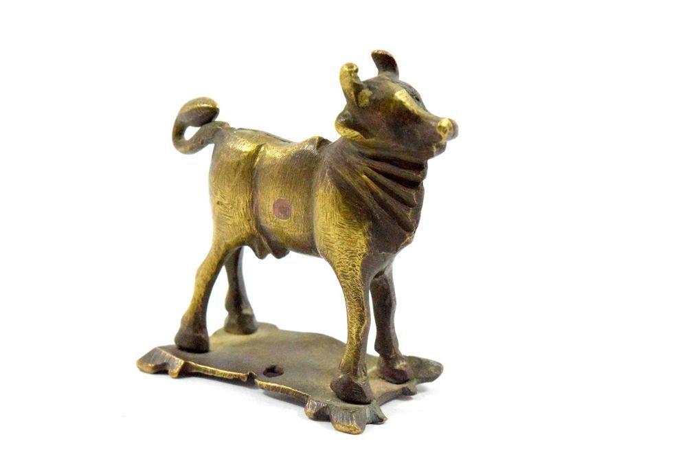 Antique Indian Tribal Hindu Brass Cow Ox Shiva Nandi figure. G7-639