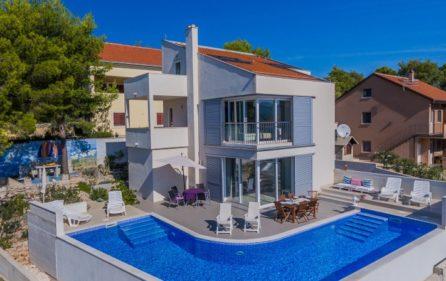 Modern Villa Near Sea For Rent Milna Brac Luxurycroatia Net Villa Rent Croatia Villas