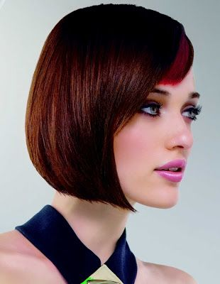 Peluquería Nuria´s Estilistas  En Nuria´s te ofrecemos los mejores servicios en peluquería, cambio de imagen, corte, recogidos, peinados especiales, alisados, tratamientos de keratina, cabello, posticería y extenciones.