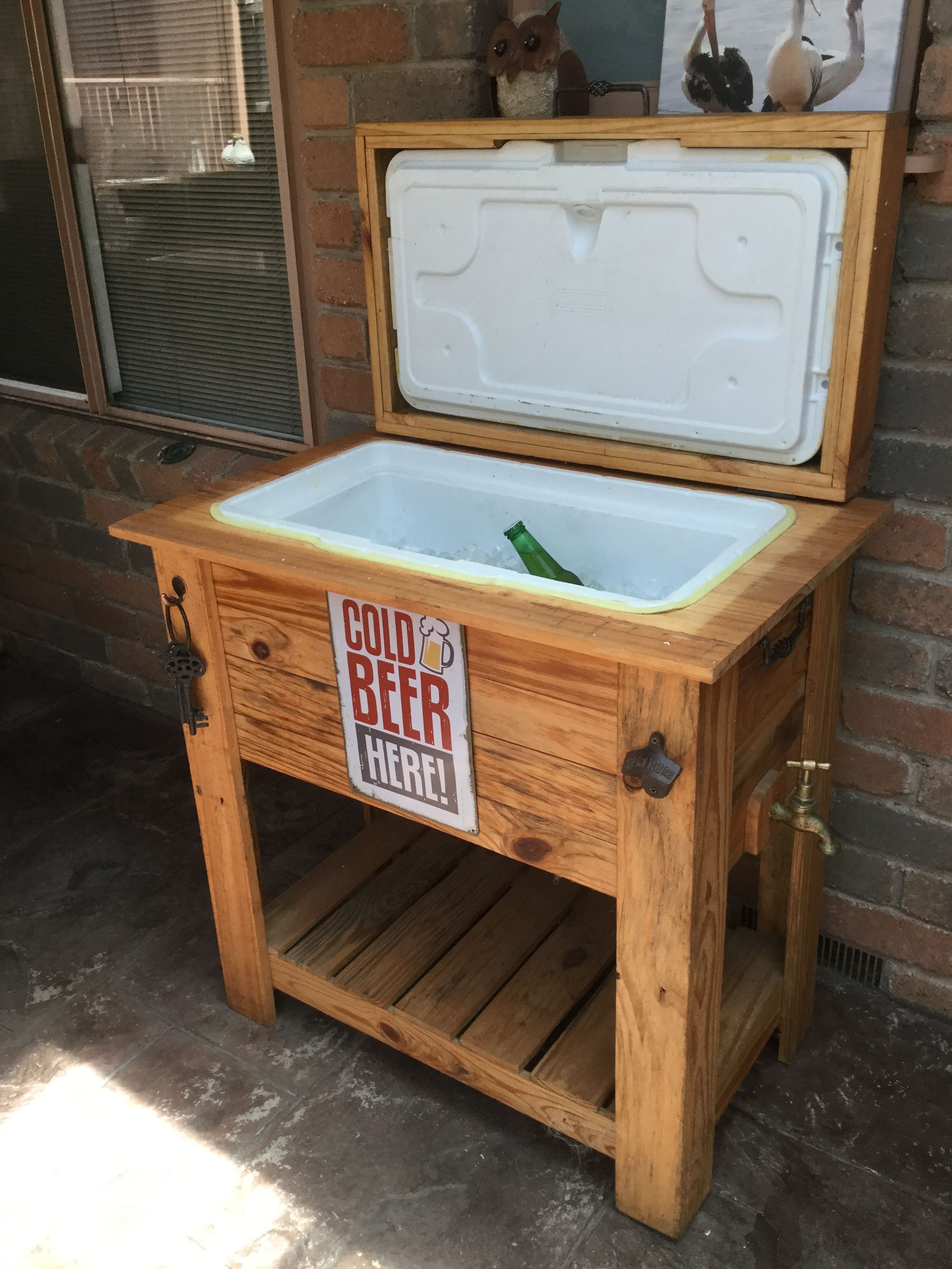 Rustic Esky Cooler Crafted From Recycled Pallet Timber