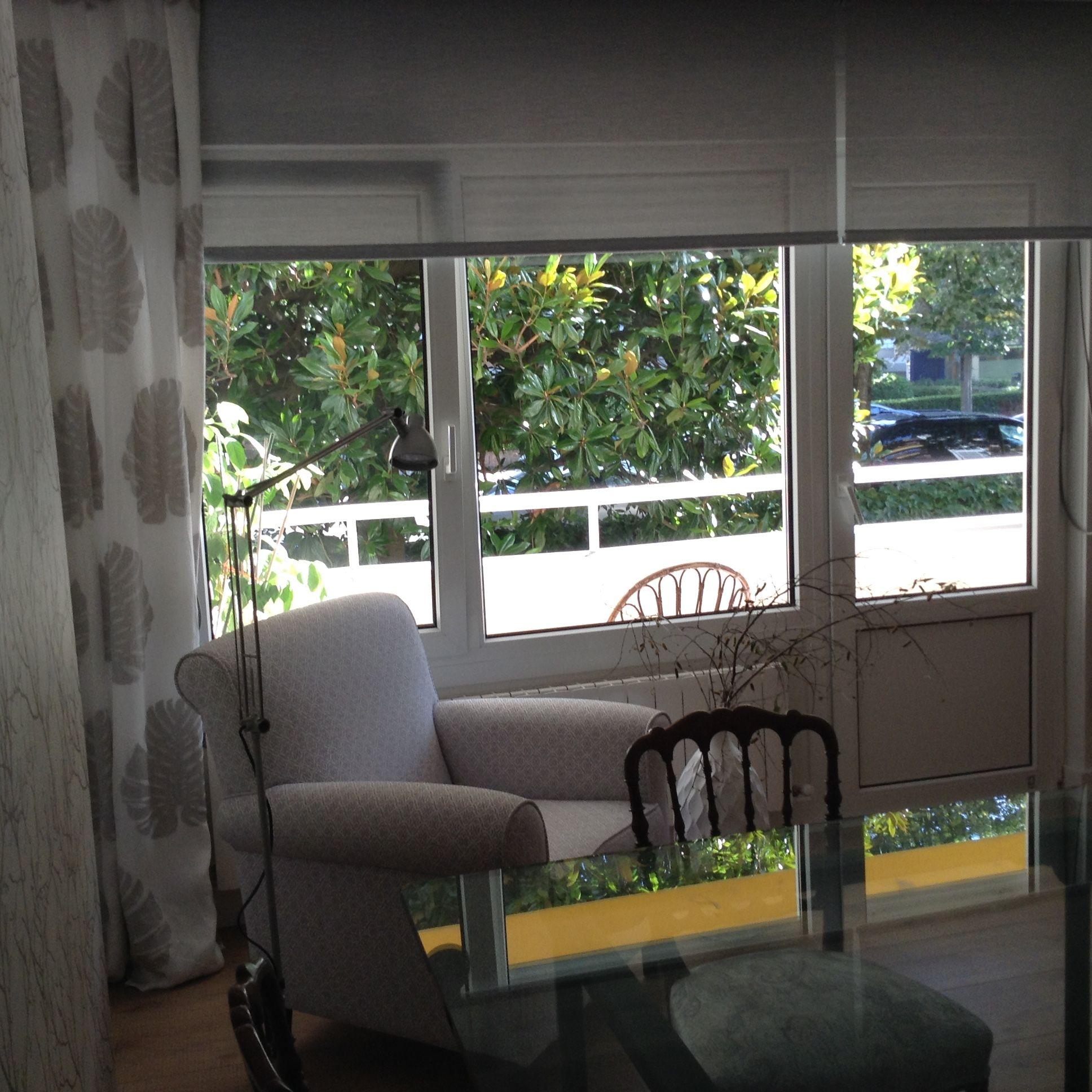 butaca tapizada, cortinas, screen. Ka Zarautz