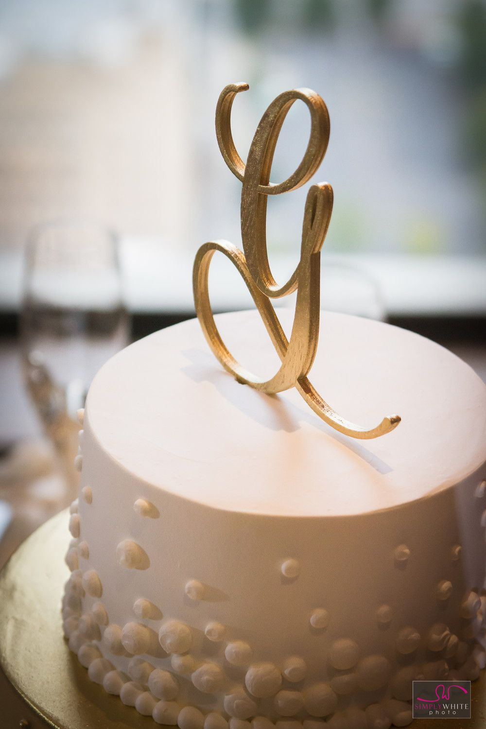 Gold Monogrammed Letter G on top of wedding cake. @eb2events ...