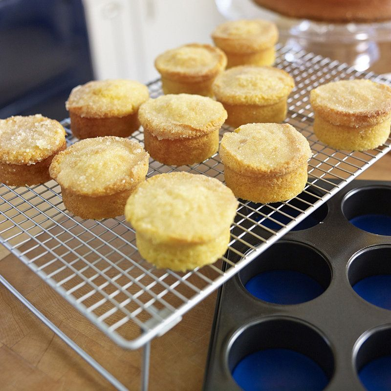 Mary Berry's Little Lemon Drizzle Cakes ~ with crunchy lemon sugar topping | recipe via Lakeland