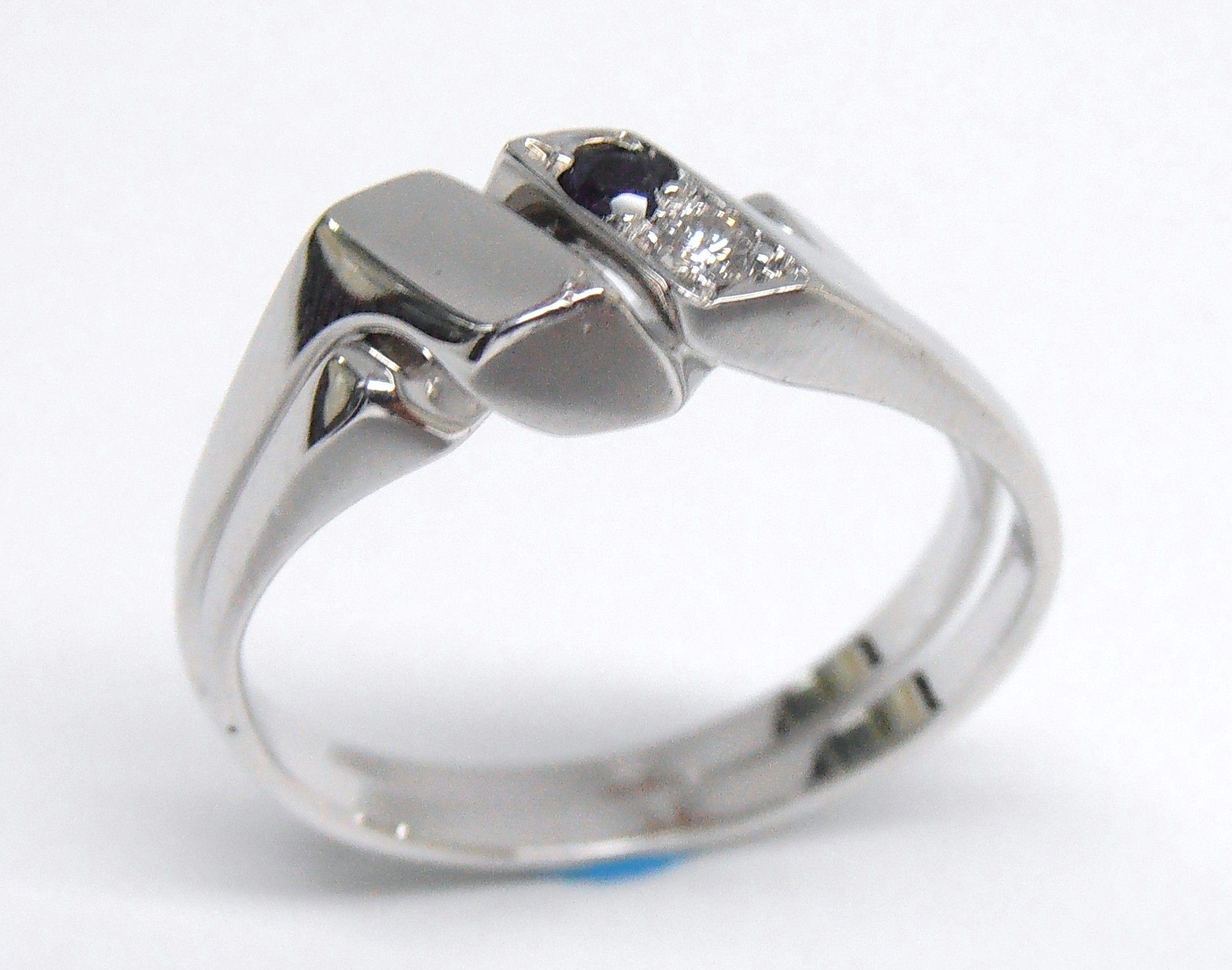 c97813beaec2 ¡Para demostrar el amor! un hermoso y clásico anillo con el nudo del amor
