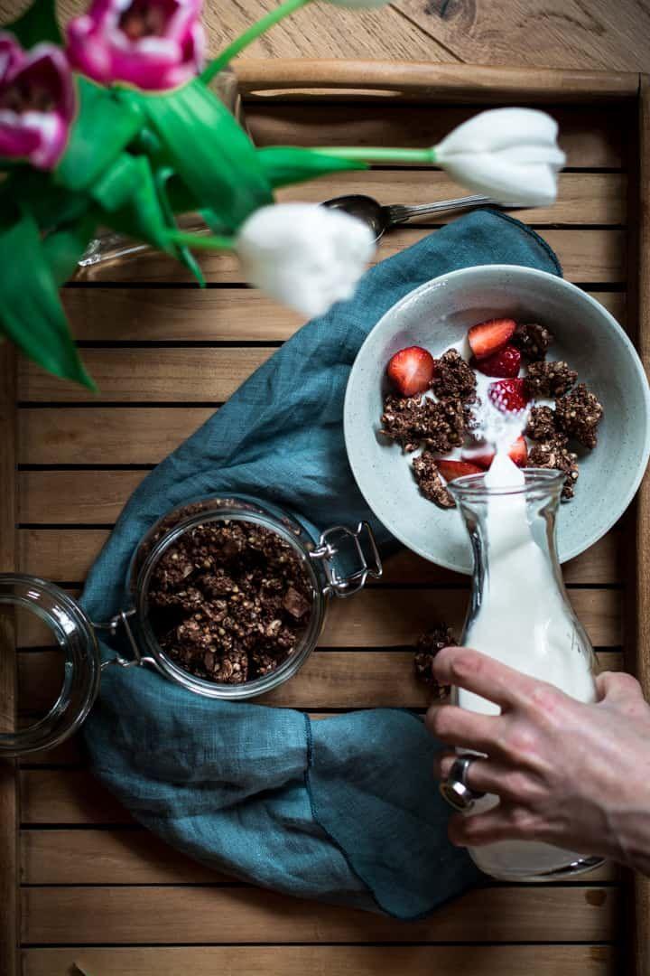 buchweizen schokoladen crunch granola granola selber machen zuckerfrei gesund und mit. Black Bedroom Furniture Sets. Home Design Ideas