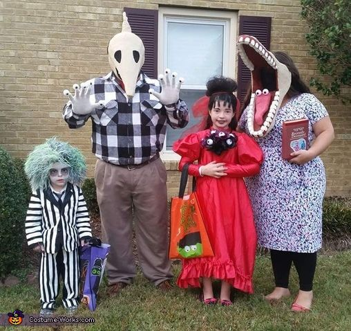 Beetlejuice Family Costume - 2016 Halloween Costume Contest