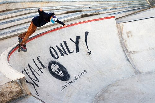 Ripollet Bowl Party Barcelona Spain The Bowl Is Officially Open I Skate Therefore I Am Skate Skateboard Dew Tour