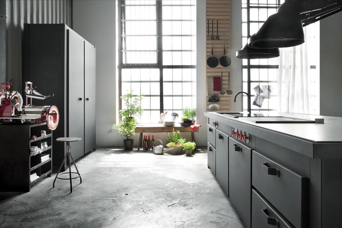 Minà collection by minacciolo kitchen in black kitchen design