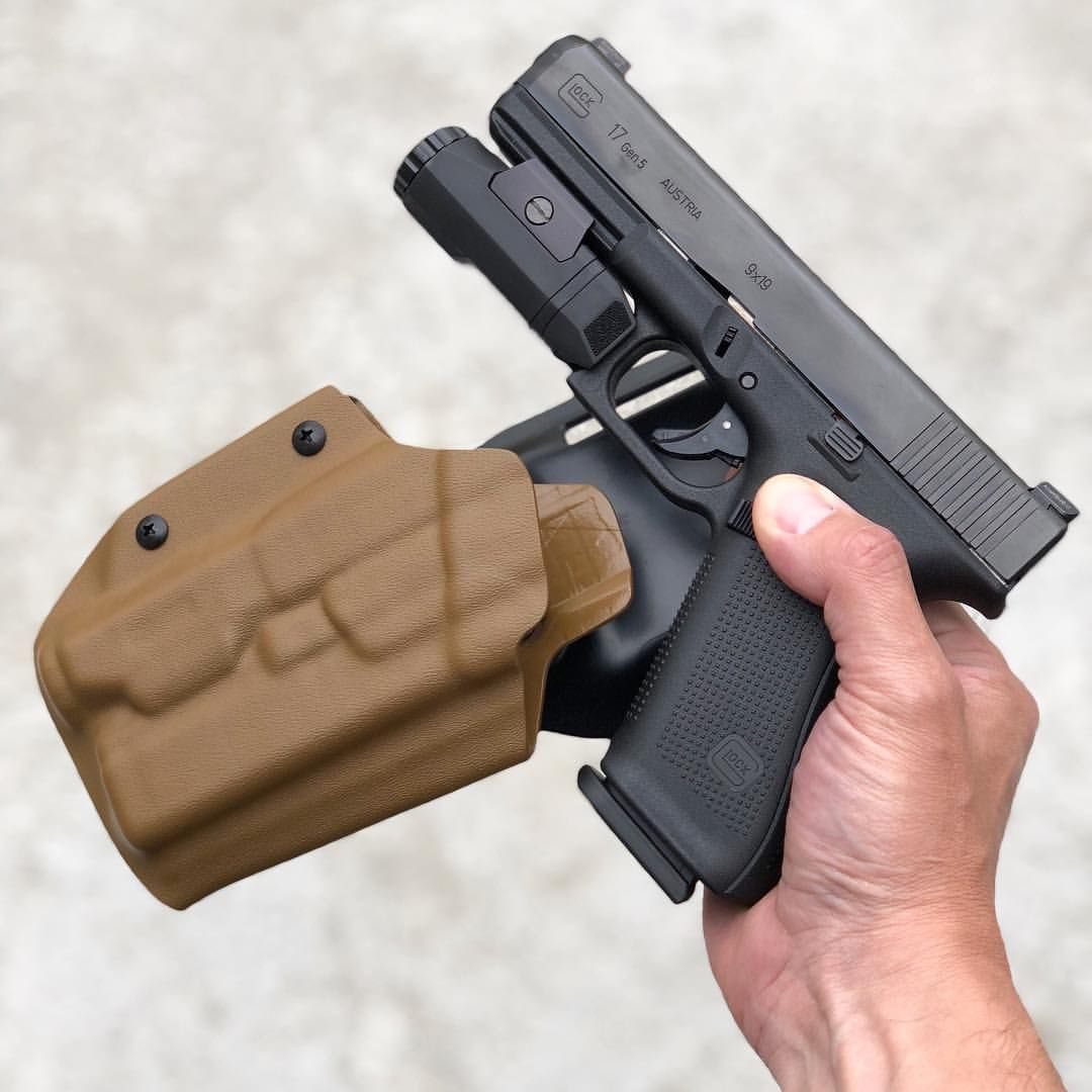Glock 17 gen 5 with an Inforce APL    WANT | What I Want