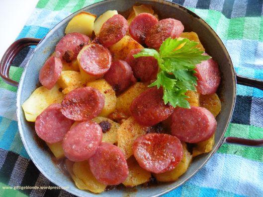 Krompirača sa kobasicama u2013 Serbischer Kartoffelkuchen mit Wurst - serbische küche rezepte