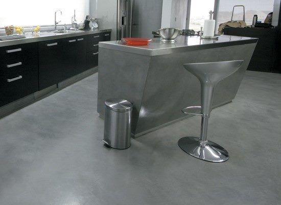 Cocina de microcementos o cemento alisado barra cocina for Muebles microcemento