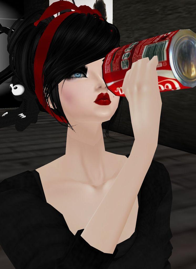 Tomando uma Coca
