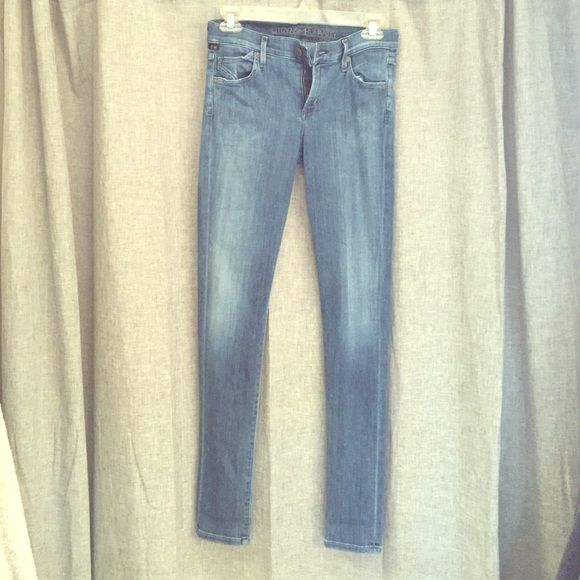 Citizens of Humanity avedon skinny Citizens of Humanity- Avedon Skinny Jean. Size 26. Stretch and super cute for summer! Citizens of Humanity Jeans Skinny