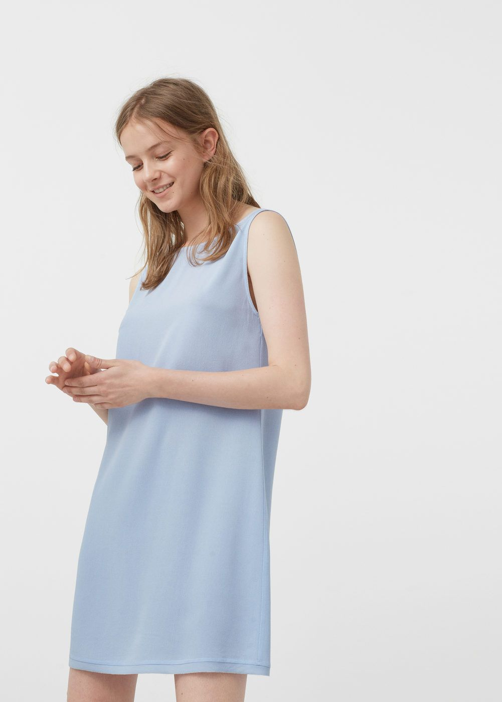 304a2940d Vestido fluido - Vestidos de Mujer | MANGO España Todo Fluye, Cuello Redondo,  Tirantes
