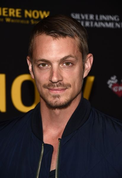 Pin By Maria Massarella On Yum With Images Joel Kinnaman Celebrities Male Joel Kinneman