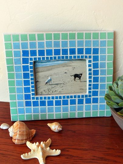 Learn How To Make A Mosaic Tile Picture Frame Arrange The Tiles