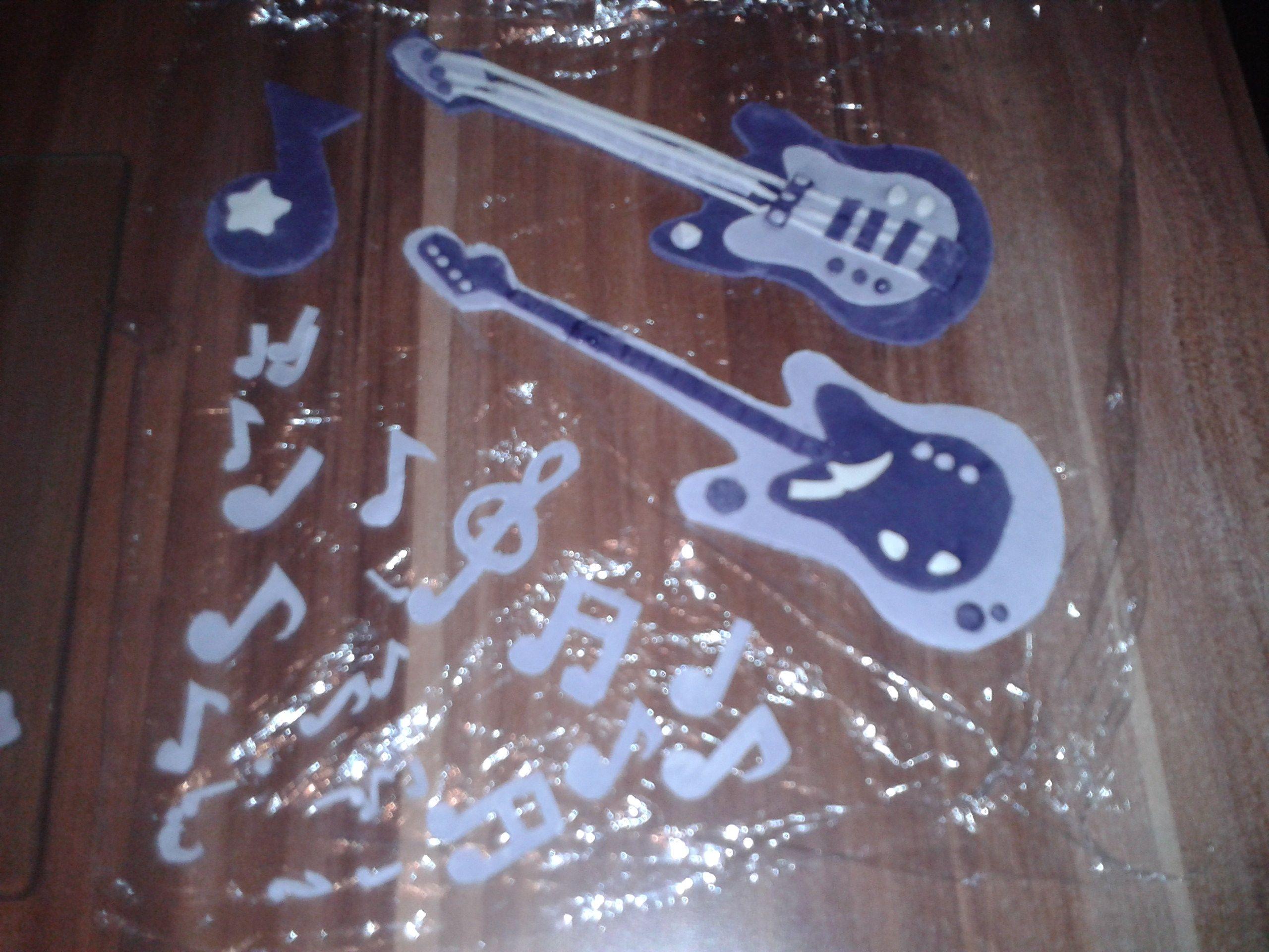 meine Musik Noten & Instrumente aus Fondant – Emanuela's Herzhafte & süße Kreationen