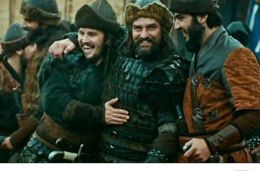 Pin By Gulshan Bibi On Engin Altan Duzyatan In 2020 It Cast Fictional Characters Historical Figures
