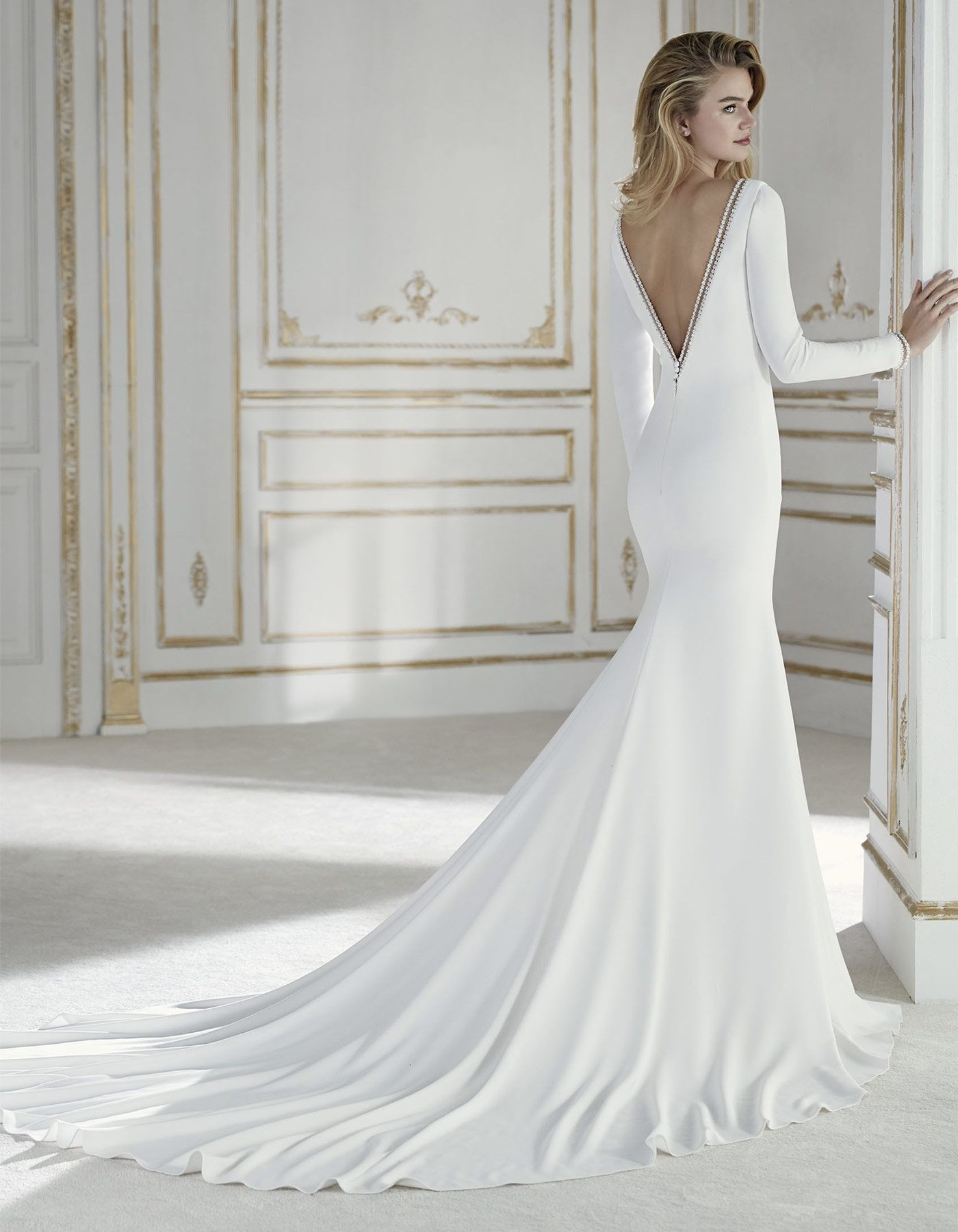 Palas By La Sposa This Dress Demonstrates That Simplicity Is