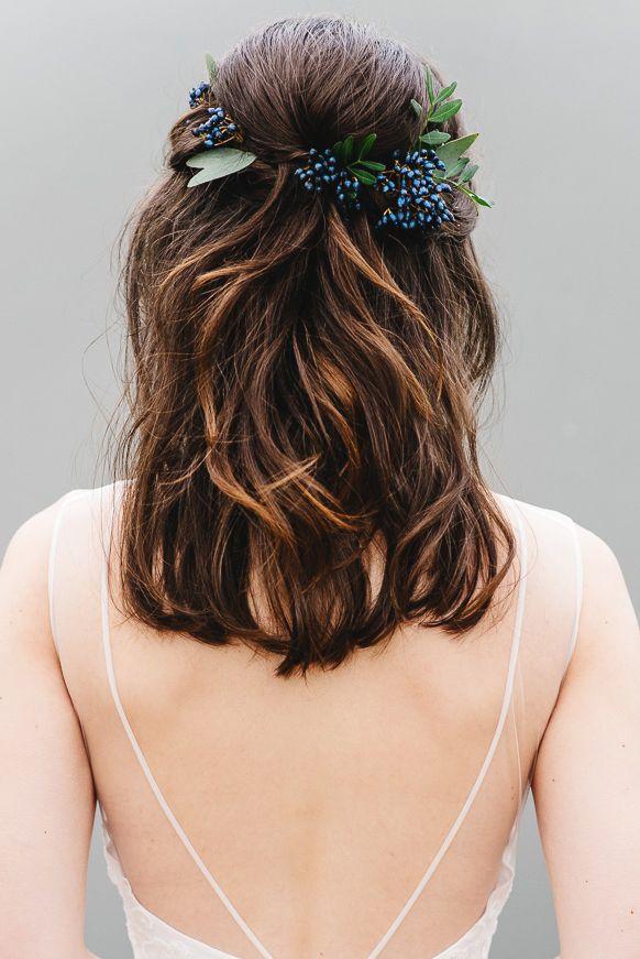 Simple Half Up Half Down Bridal Hair #bridalhairflowers