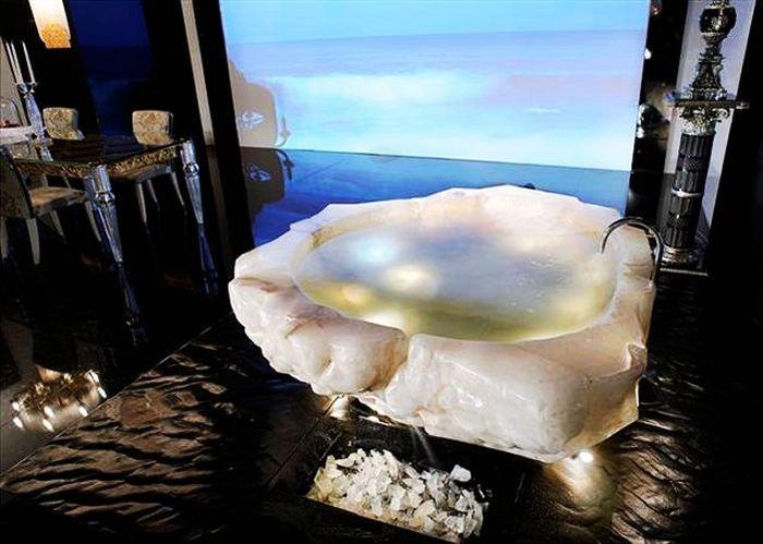Perfect Most Expensive Items Ever Sold At Harrods #4. Baldi Quartz Crystal Bathtub    $790,000.00