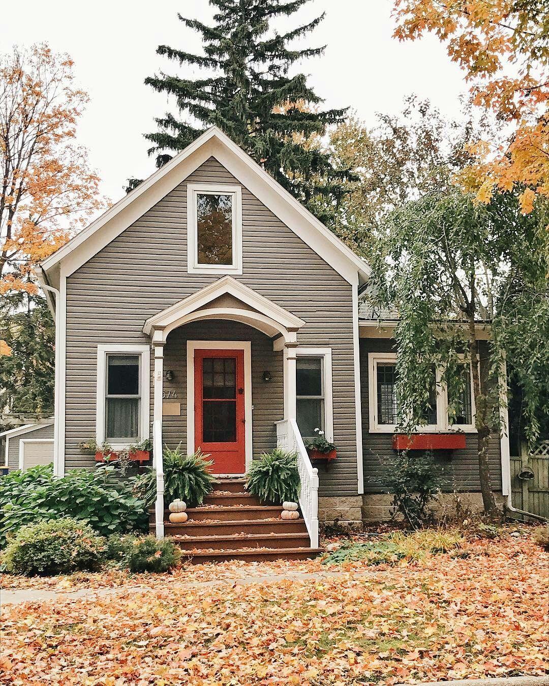 Small House | Grey U0026 Red Exterior