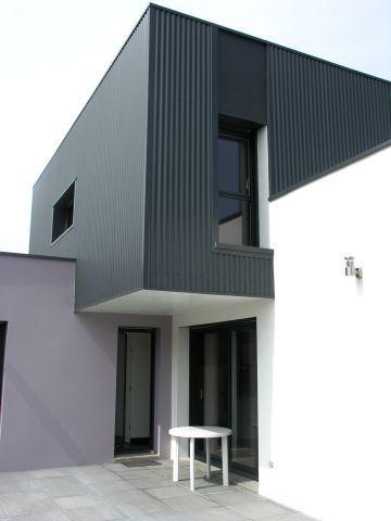 Maison Cubique Bardage Tôle Ondulée En Façade Et Peinture