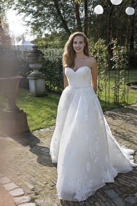 Didi I Curves Collection by Modeca: Prinzessin & Ball Gown ...