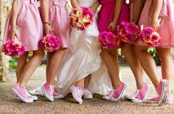 793cdf901505 Converse Wedding - I already had my wedding but this is sooo cute ...