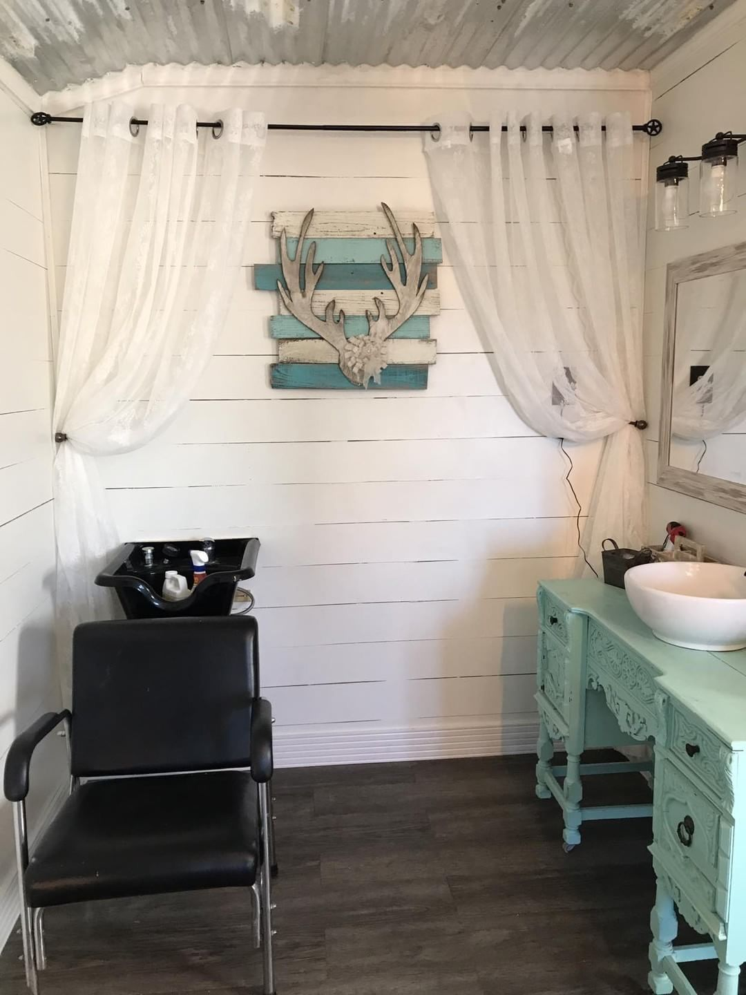 She-Shed inspiration | Shed turned home salon | She Shed Ideas in ...