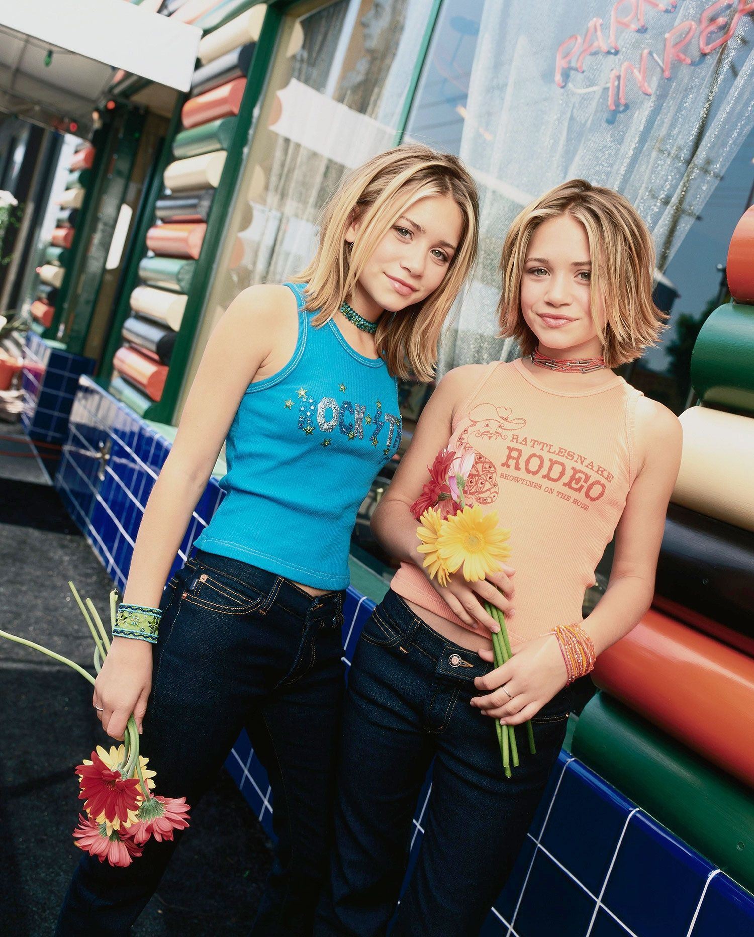 olson twins young Olsen twins in the city