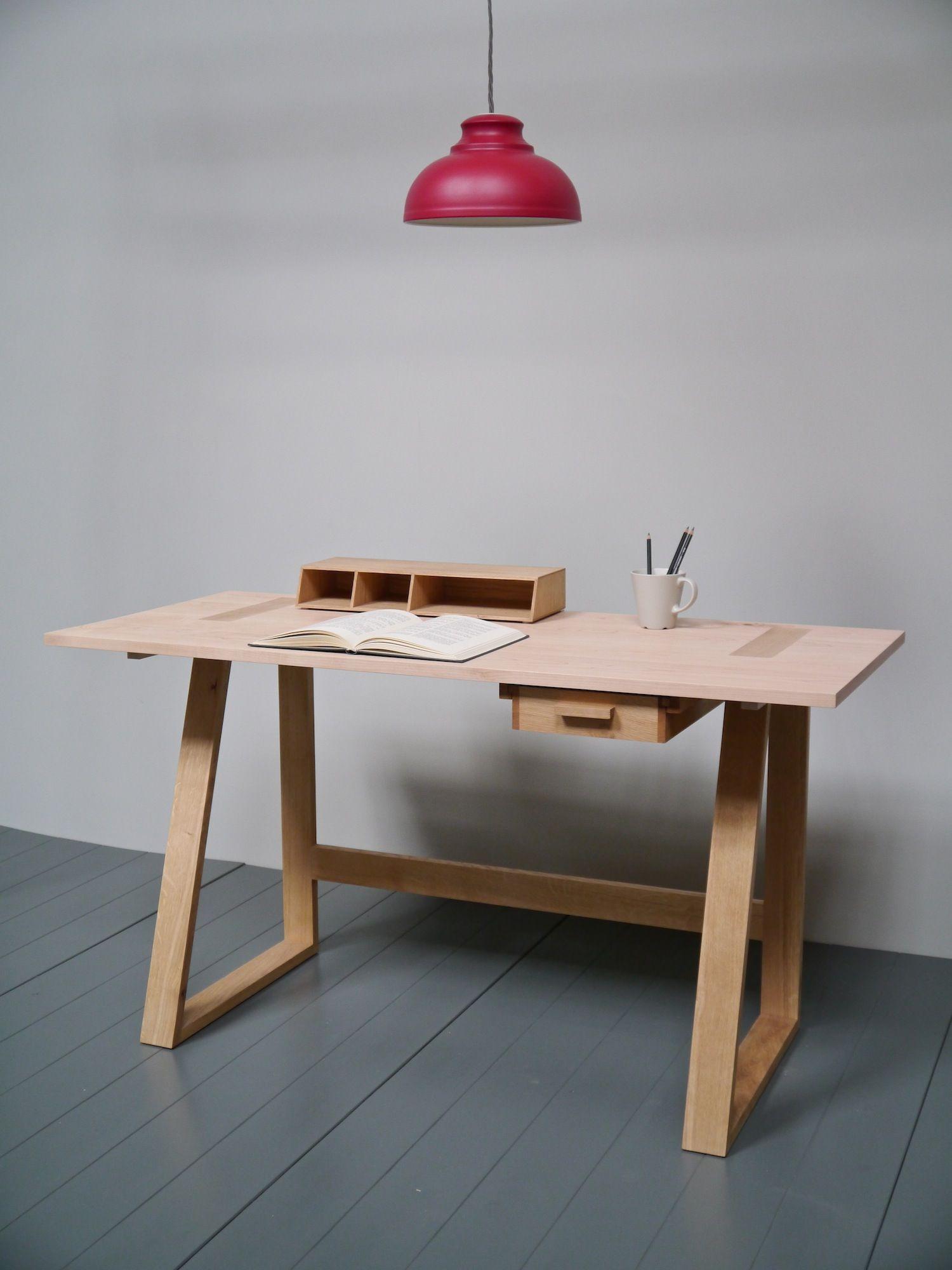 P1080248.jpg Escritorio de madera, Muebles