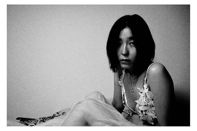 leave the title to you... あなたに この1枚につける名前を 委ねます photo @ame.ga.futterune . . . #ポートレート #portrait #ポートレートモデル募集 #jp_portrait部 #good_portraits_world #スクリーンに恋して #hibi_jp #その瞬間に物語を #デジタルでフィルムを再現したい #フィルムに恋してる #何気ない瞬間を残したい #写真で伝える私の世界 #キリトリセカイ #オールドレンズの世界 #オールドレンズに恋をした #撮るを楽しむ #jp_mood #jp_phos #whim_life #広がり同盟 #rox_captures #screen_archive #ifyouleave #coregraphy #indy_photolife #reco_ig #indeis_gram #HUEART_life #関西写真部 #関西写真部share
