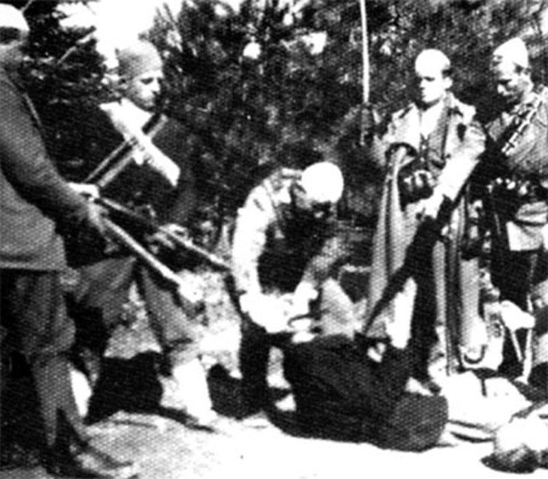 """КОЛОНИСТИ ИЗ АЛБАНИЈЕ У ИСТОКУ (Паралела: Метохија 1974 – Европа 2016)  У време Броза и његових следбеника, колонисти из Албаније улазе у метохијску општину Исток, као и друге на Косову и Метохији. Време је показало да је ,,транзит за неку другу европску земљу"""" био са�"""