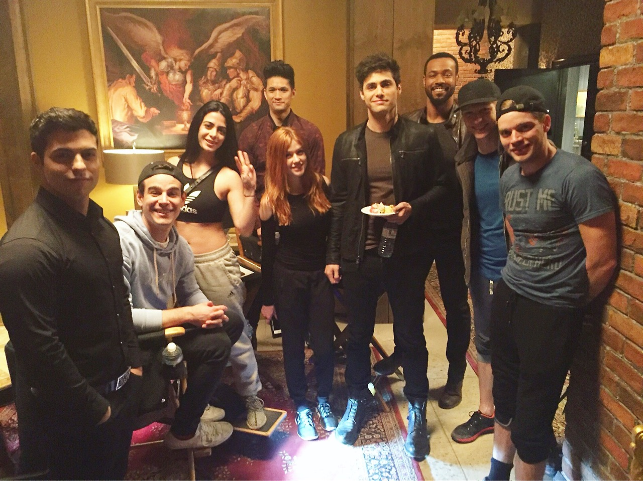 It's official: Shadowhunters has been renewed for Season 3 ...