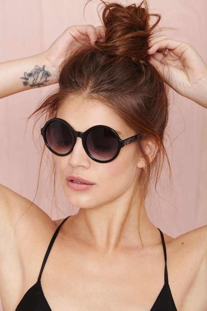 Circle up! These shades have round charcoal lenses with