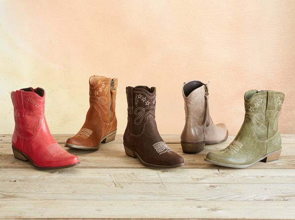 Modern cowgirls will kick up their heels for our fashionable half-pint profile.