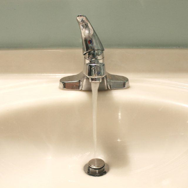 How to Remove a Bathroom Sink Stopper for Cleaning