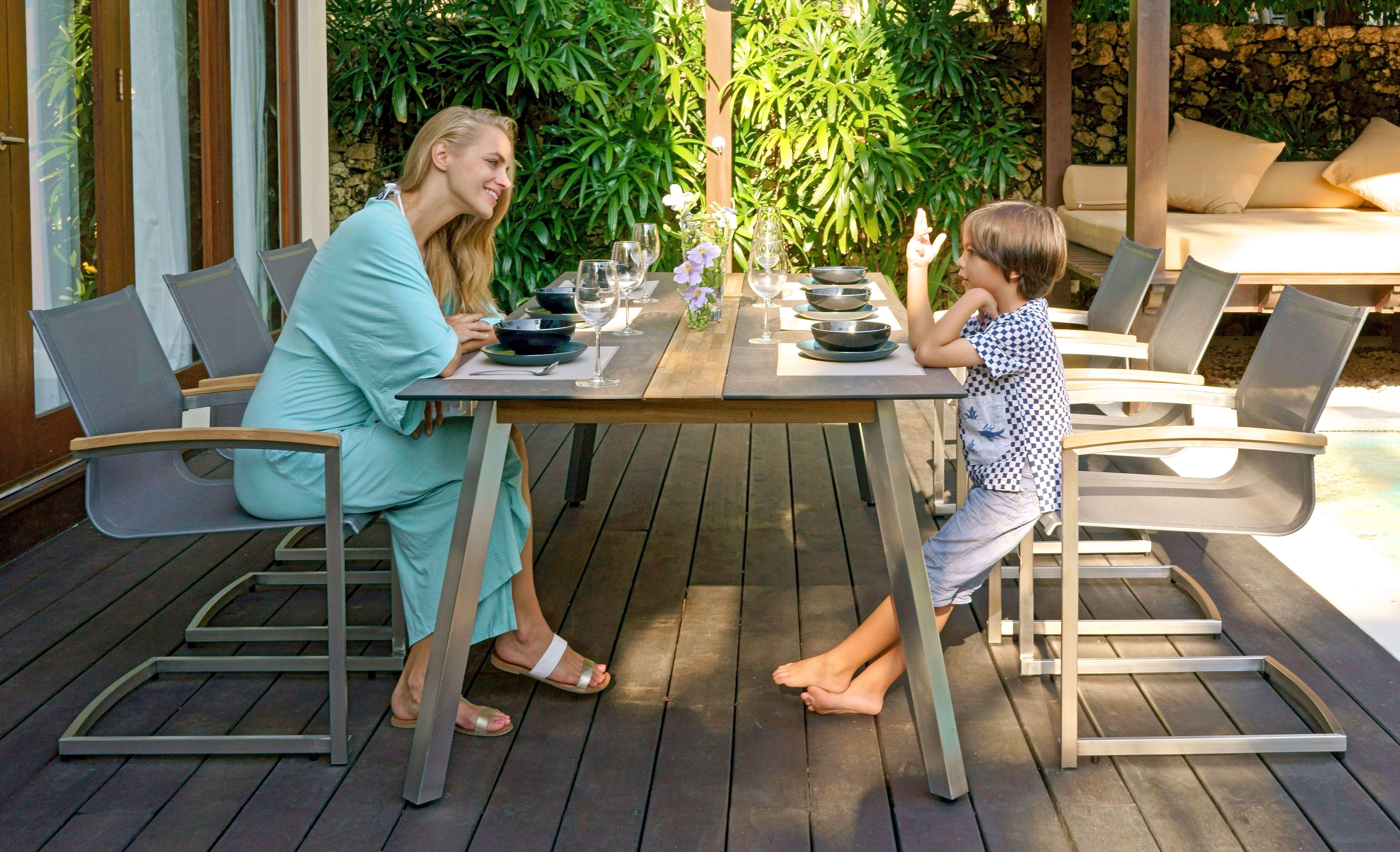 Die Verbindung Zwischen Hpl Und Teakholz Beim Gartentisch Linax